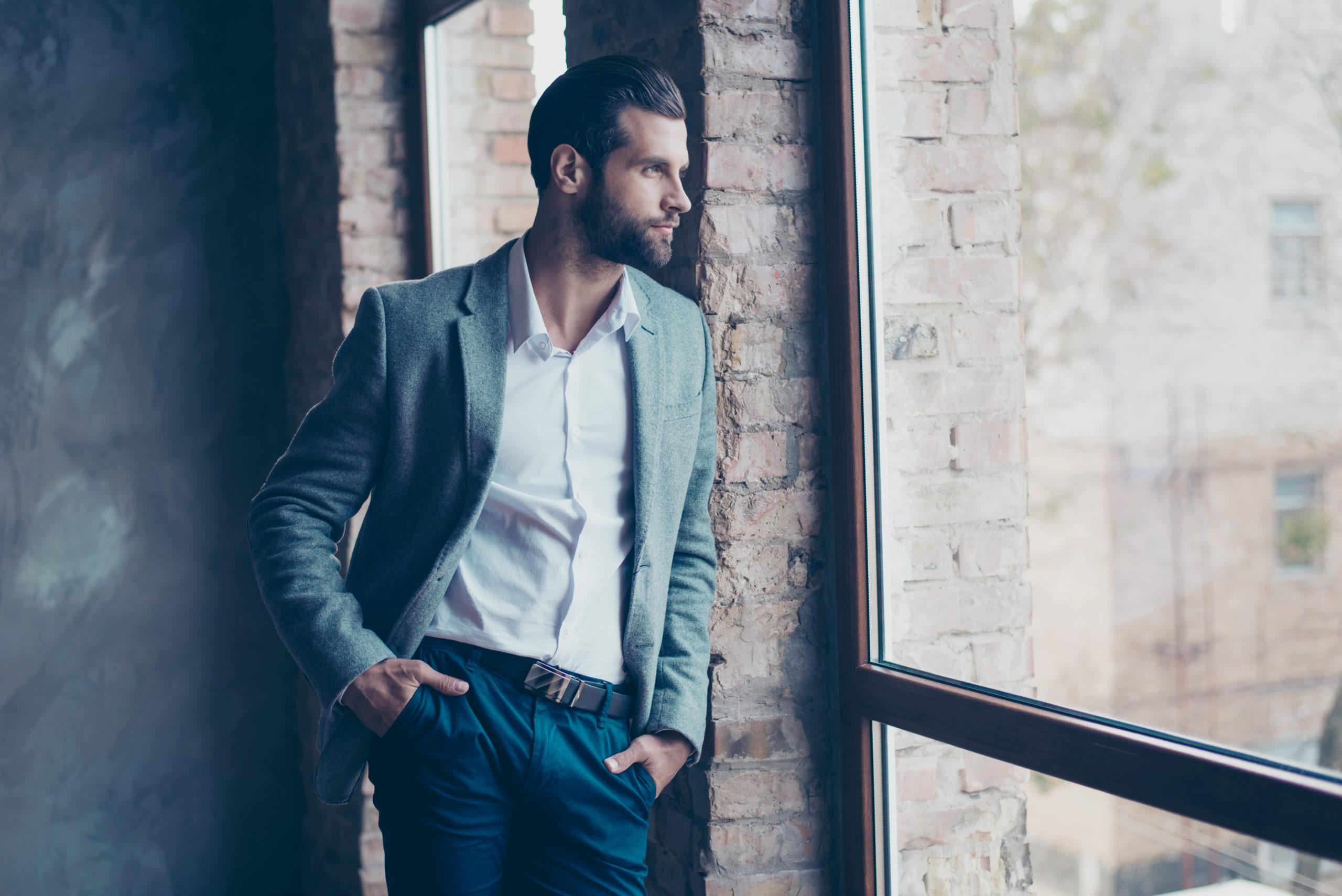Smart casual dress code – styl, który powinien znać każdy mężczyzna