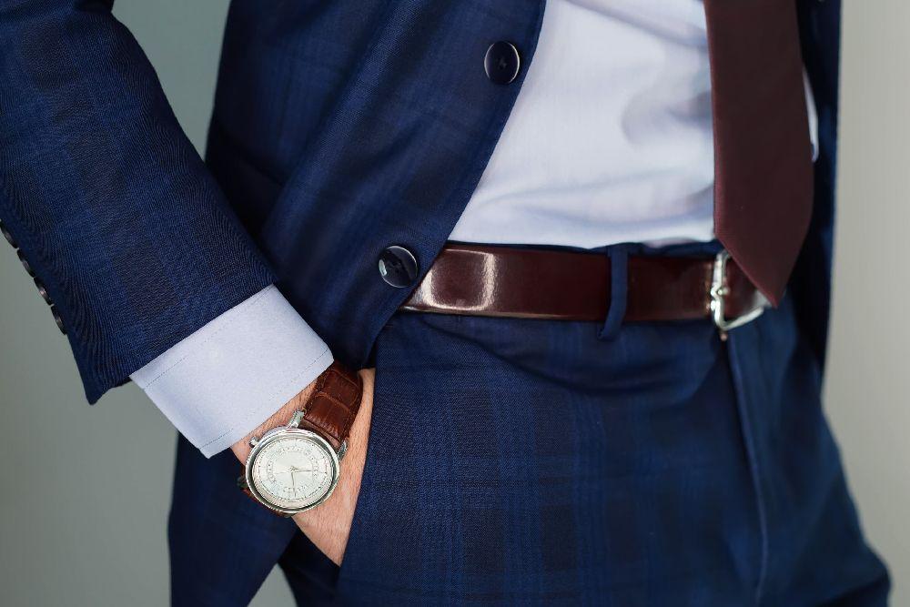Jaka powinna być odpowiednia długość krawata? Poznaj najważniejszą zasadę