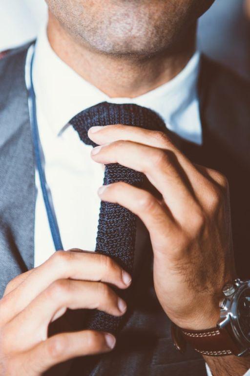 krawat knit stylizacja