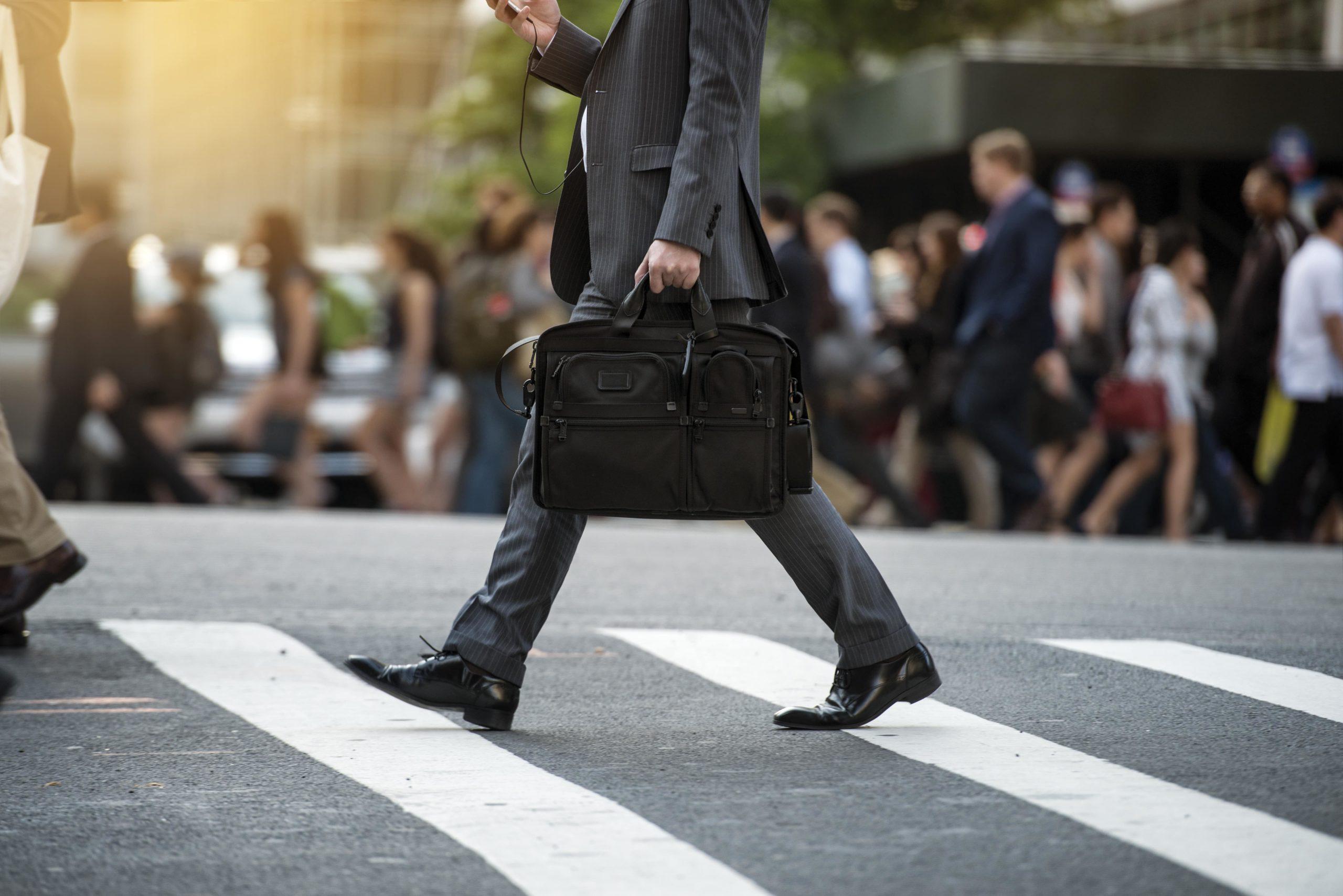 Idealny garnitur biznesowy — omawiamy jego cechy